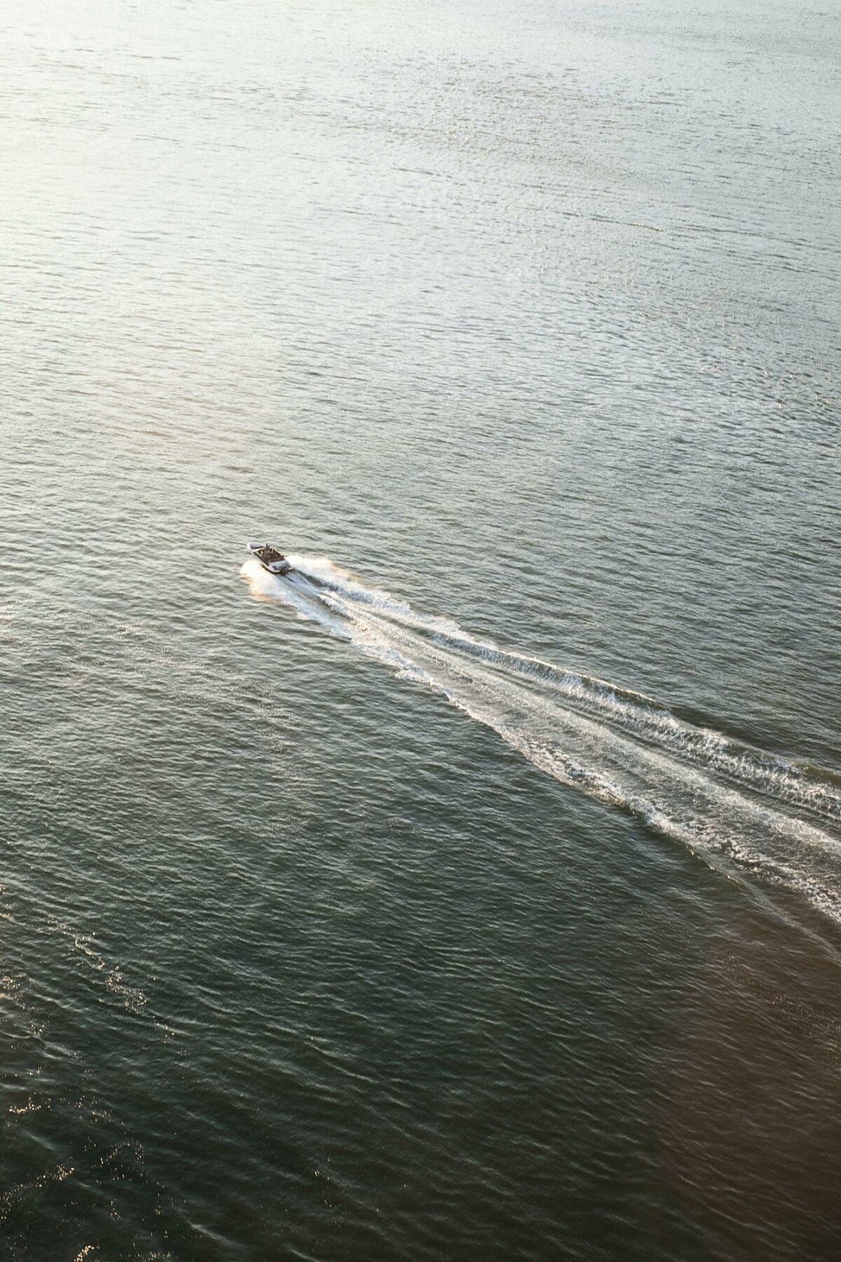 Boat kyle thacker 2 M0bm TZ La No unsplash